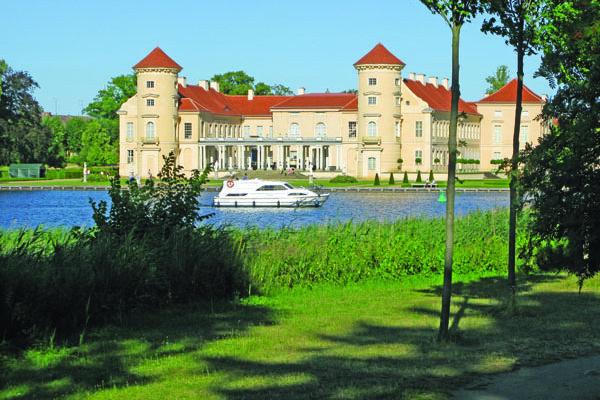 Hausboot mieten Mecklenburgische Seenplatte Rheinsberg