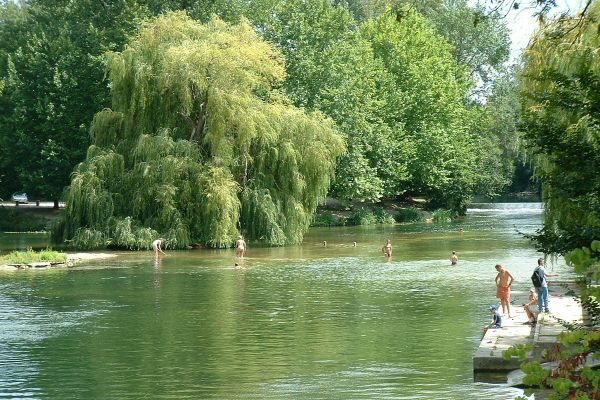 Baden im Fluss Charente