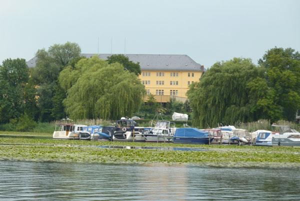 Potsdam nähe Berlin Seerosen Hafen