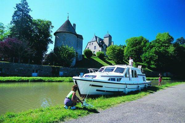 Canal du Nivernais Bootsfahrt