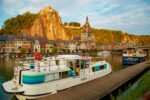 Hausboot in Dinant Meuse