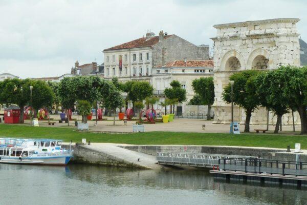 Ferien mit dem Hausboot auf der Charente