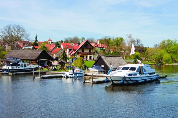 Kleinseenplatte Hafen in Mecklenburg