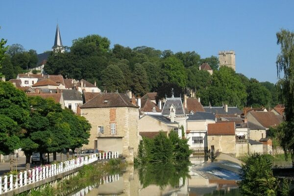 Montbard am Canal Bourgogne