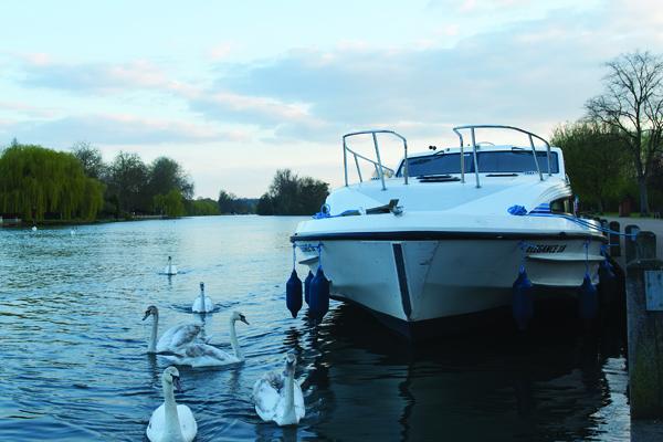 Abenstimmung in England Bootsfahrt