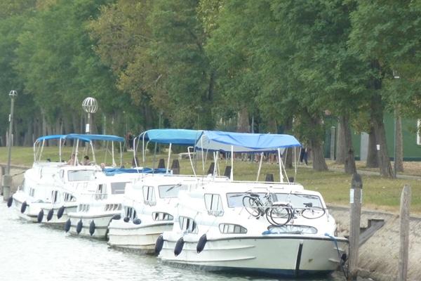 Hafen in Italien für Boote