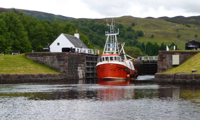 Schleusen in Schottland mit dem Boot befahren