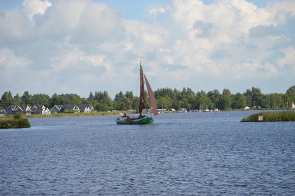 Holland Segelboot auf der friesischen Seenplatte