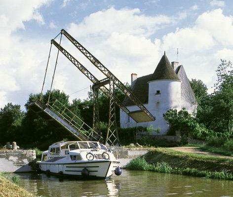 Brücke auf Canal Nivernais
