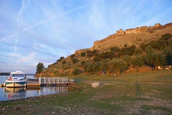 Anleger in Portugal für Nicols Hausboot