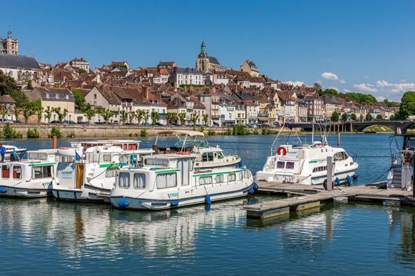 Hafen Joigny von Locaboat