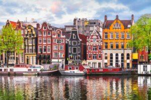 Kerkdriel und Amsterdam