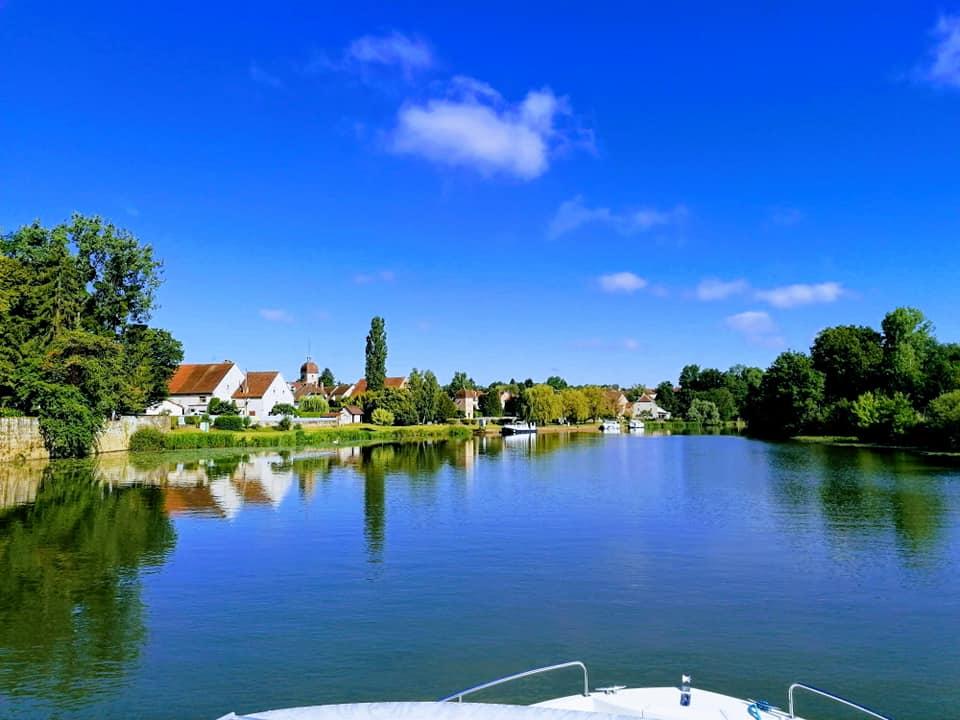 Hafen Mantoche Fluss Saone im Burgund