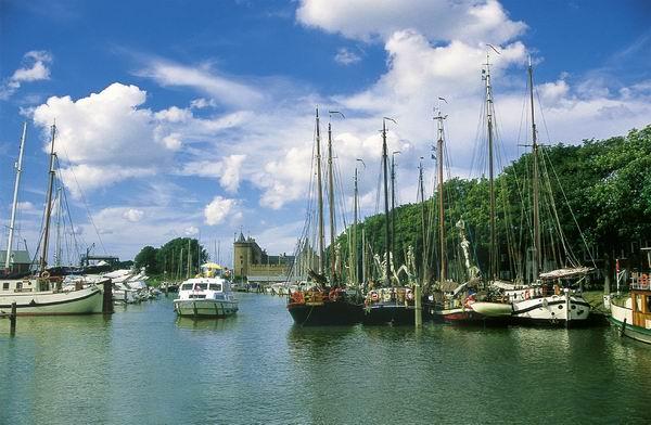 Muiden und Amsterdam mit dem Boot