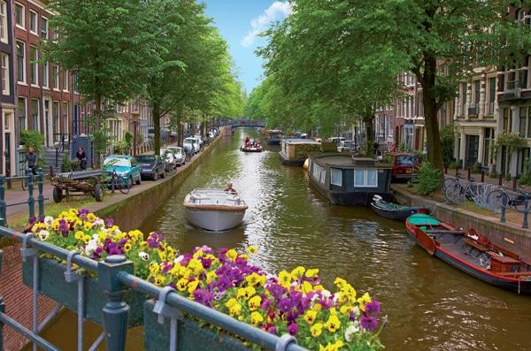 Niederlande Amsterdam Bootfahren