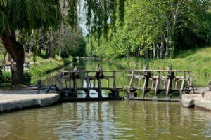Schleuse am Midi Kanal