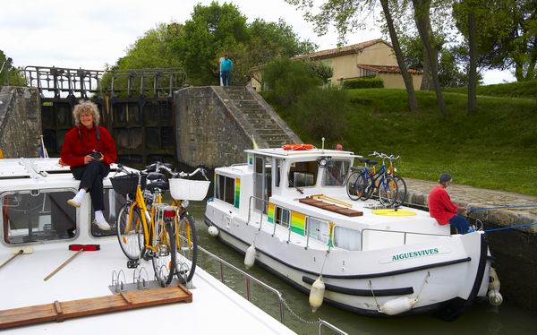 Doppelschleuse von Lalande, Penichette Locaboat