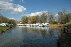 Hafen in der Seenplatte Mecklenburg