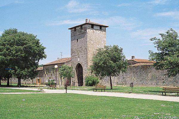Viane und Baise Turm besichtigen