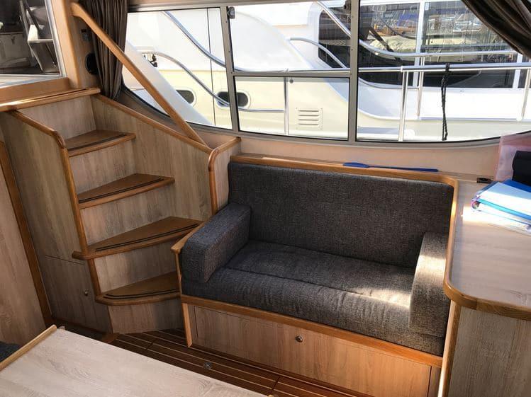 Aufgang Salon Boot Gruno 37 Excellent