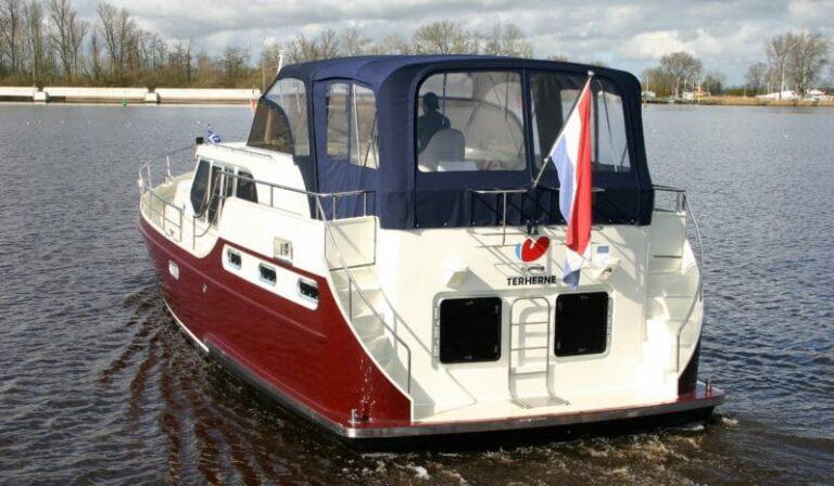 Heckansicht Boot Ryna 1400 Senne
