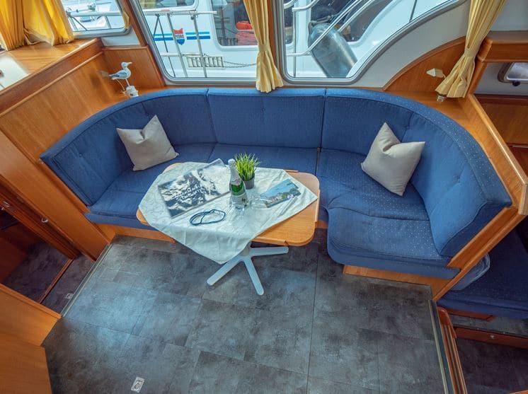 Wohnbereich Sitzecke Boot Pedro Skiron 35