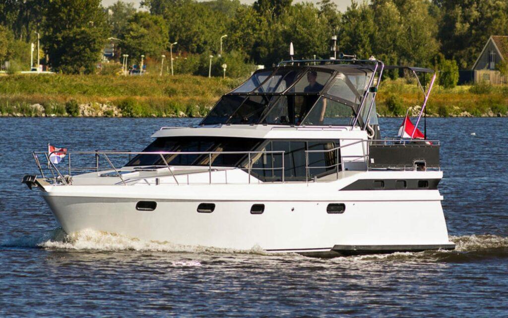 Bootansicht Motoryacht Antaris